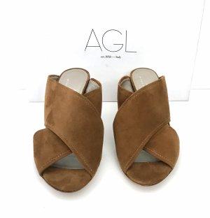 AGL Wildleder Sandale braun