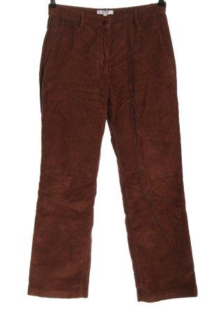 Aigle Pantalón de pana marrón look casual