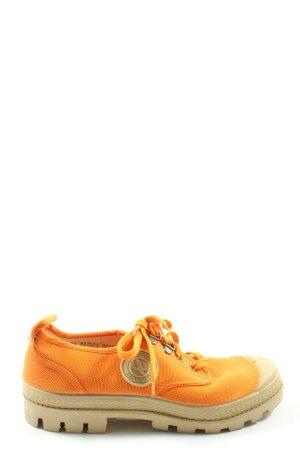 Aigle Chaussures à lacets orange clair style décontracté