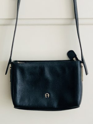 AIGNER Crossbody Handtasche Mini / schwarz