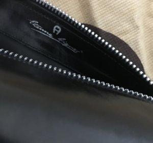 Aigner Bolso tipo pochette negro Cuero