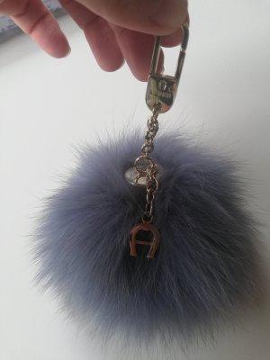 Aigner Taschenanhänger mit Pelzbommel