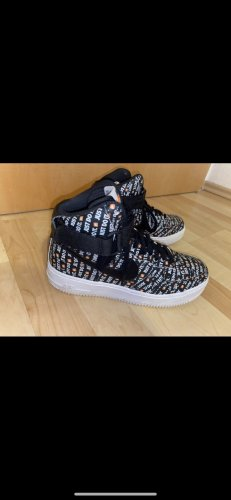 nike air force 1 Chaussure skate multicolore