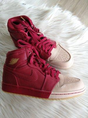 Air Jordan Basket montante beige-rouge foncé