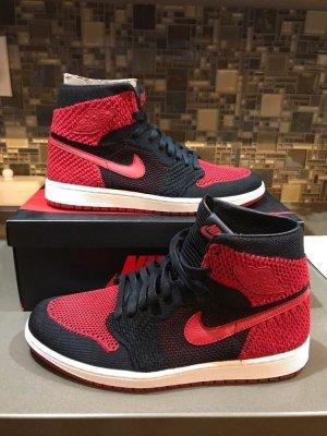 Air Jordan High Top Sneaker black-red
