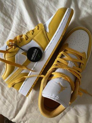 Air Jordan 1 Low Yellow White