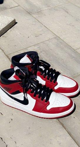 Nike Basket montante rouge foncé