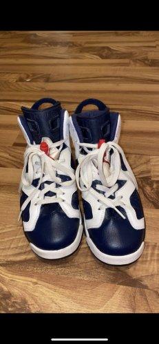 Air Jordan Lace-Up Sneaker white-dark blue