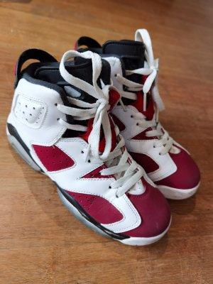 Air Jordan Wysokie trampki czerwony