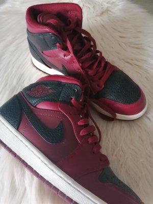 Air Jordan Wysokie trampki czarny-ciemnoczerwony