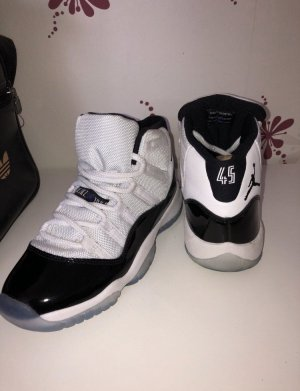 Air Jorden 11 concord  Limited Edition!!