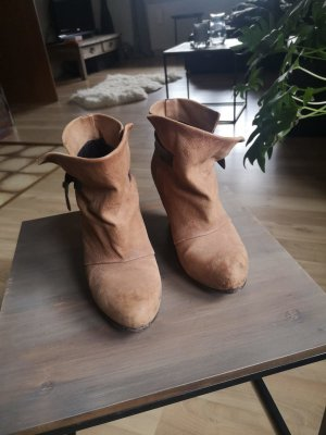 Air Step Ankle Boots light brown