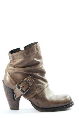 Air Step Botines estilo vaquero marrón look casual