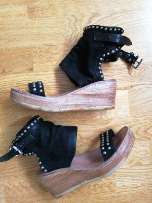 Air Step Platform High-Heeled Sandal black leather