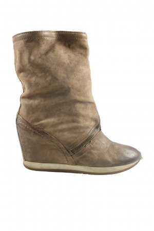 Airstep Wedge Booties brown casual look