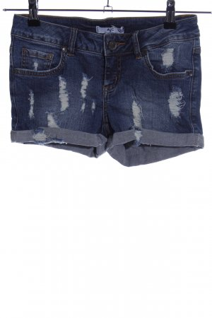 AJC Hot Pants blue casual look