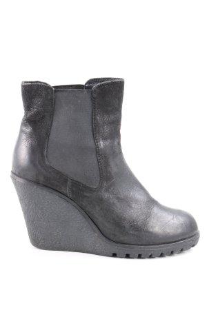 Akira Heel Boots black casual look