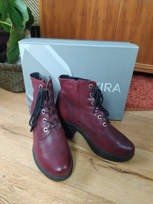 Akira Lace-up Booties bordeaux leather