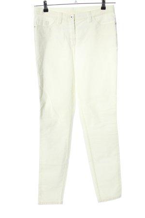 Alba Moda Pantalón de pana blanco look casual