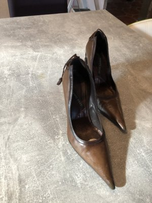Alberto Gozzi Pointed Toe Pumps brown leather