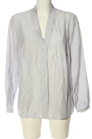 Alessa W. Blusa-camisa gris claro look casual