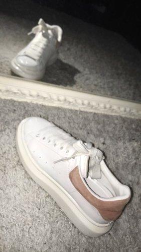 Alexander McQueen Sneakers met veters wit-roségoud