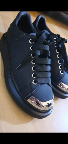 Alexander McQueen Lace-Up Sneaker black leather