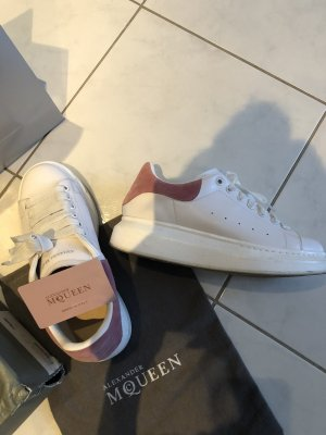 Alexander McQueen Lace-Up Sneaker white-pink