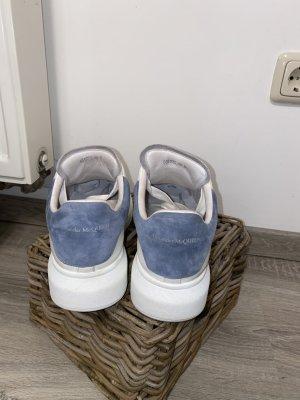 Alexander McQueen Sznurowane trampki biały-stalowy niebieski