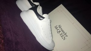 Alexander McQueen Lace-Up Sneaker white leather