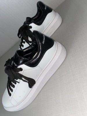 Alexander McQueen Sneakers met veters wit-zwart