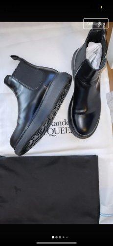 Alexander McQueen Botines Chelsea negro Cuero