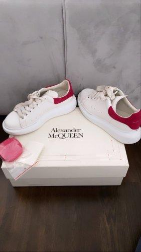 Alexander McQueen Basket à lacet blanc-rouge framboise