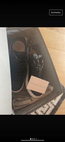 Alexander McQueen Sneakresy na obcasie czarny