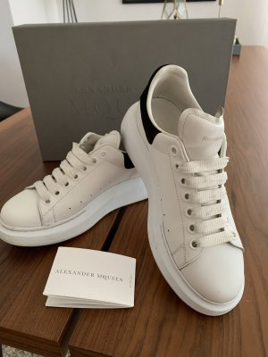 Alexander McQueen Lace-Up Sneaker white-black leather