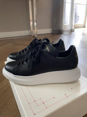 Alexander McQueen Sneaker Neu