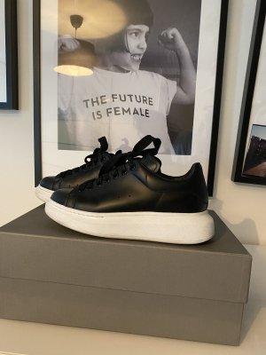 Alexander McQueen Lace-Up Sneaker black-white