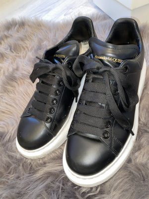 Alexander McQueen Lace-Up Sneaker black-white
