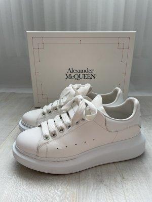 Alexander McQueen Trampki na platformie biały