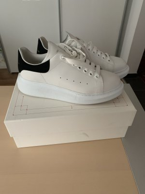 Alexander McQueen Lace-Up Sneaker white-dark blue leather