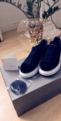 Alexander McQueen Sneakers met veters zwart-wit