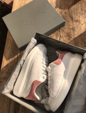 Alexander McQueen Sneakers met hak roze-wit