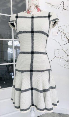 Alice + Olivia Sukienka z krótkim rękawem czarny-w kolorze białej wełny