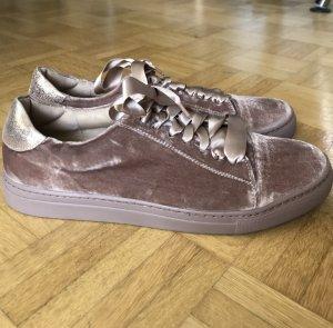 Alisha Lace-Up Sneaker multicolored leather