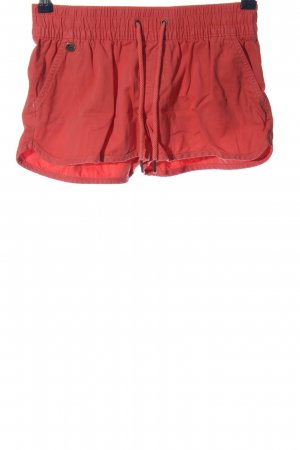 All about Eve Hot Pants red casual look