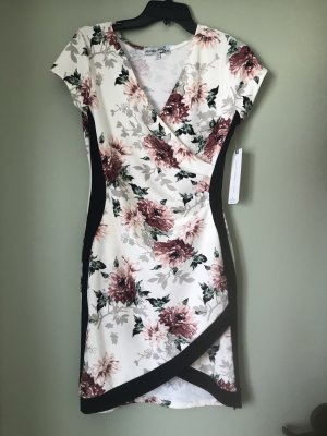 Allmost Famous Damen Kleid Blumen S/M