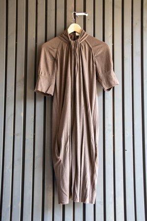 Allude Sukienka etui jasnobrązowy