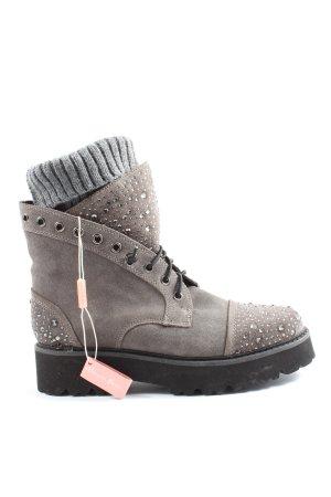 Alma en Pena Desert Boots light grey-black casual look