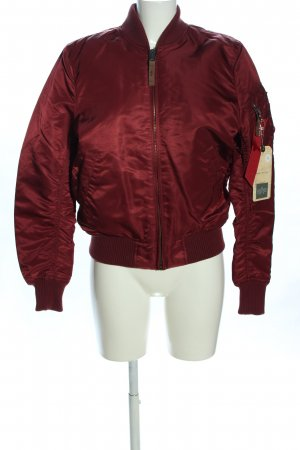 Alpha Industries Chaqueta bomber rojo look casual