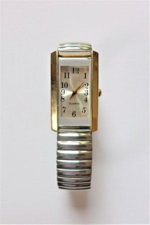 Vintage Watch With Metal Strap multicolored